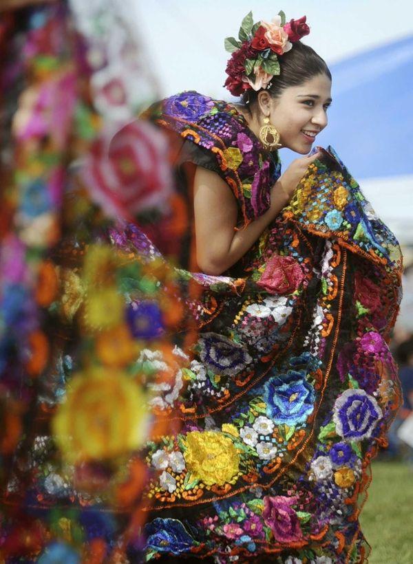 Cinco de Mayo festivals that feature costumed dancers,