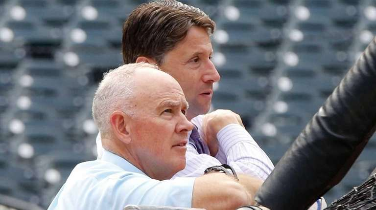 New York Mets general manager Sandy Alderon and