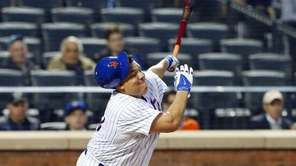 Bartolo Colon of the New York Mets strikes