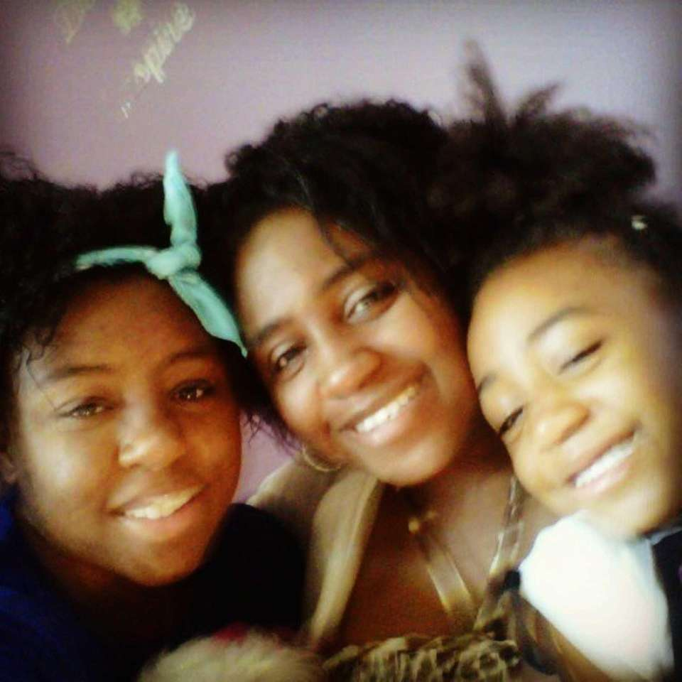 Mother Charvon with daughters Connie and Naya #Lilookalikes