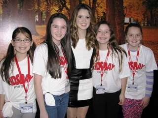 Kidsday reporters (l) Gillian Tarry , Grace Ackermann,