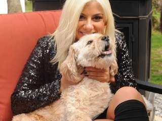 """American Idol XIV"" finalist Jax with her dog"