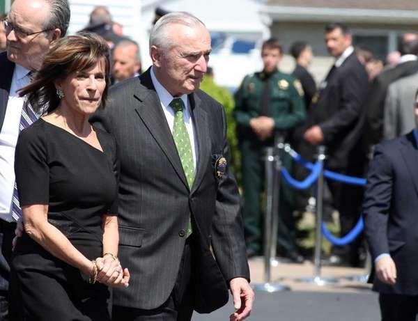 NYPD Commissioner William Bratton attends the wake of
