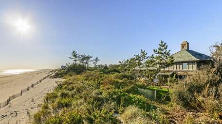 This oceanfront property on Gin Lane in the
