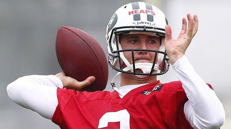 New York Jets quarterback Jake Heaps (3) runs