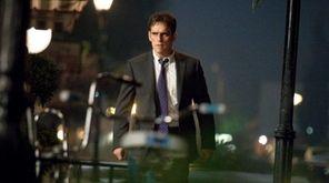 Secret Service Agent Ethan Burke (Matt Dillon) begins