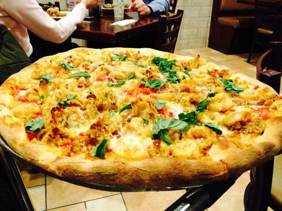 Victor's Pizza & Pasta House (712 Walt Whitman