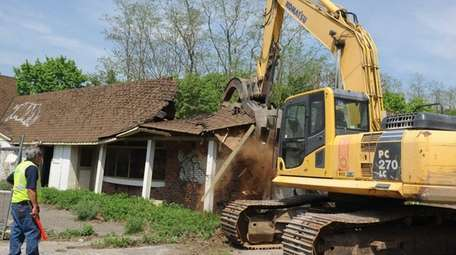 The Town of Brookhaven demolishes the Old Island