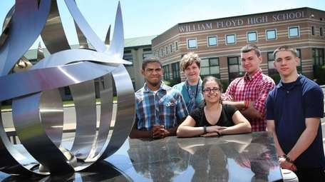 Four William Floyd High School students who will