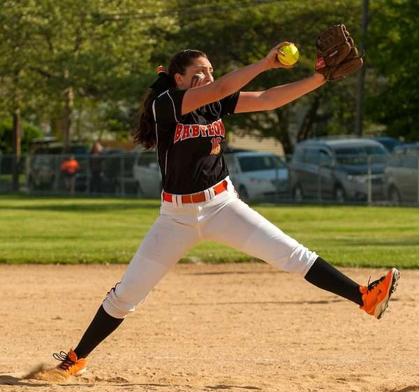 Babylon starting pitcher Alyssa Sasuk throws against Port