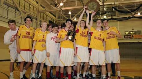 Chaminade celebrates after defeating Kellenberg for the CHSAA