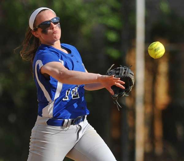 Long Beach shortstop Kelsey Larson throws to second