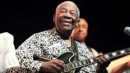 Blues music legend B.B. King performs on Framptons