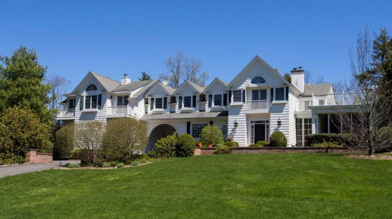 An Old Westbury home once owned by Tammany