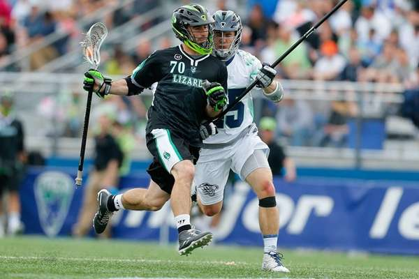 Steve DeNapoli of the New York Lizards, left,