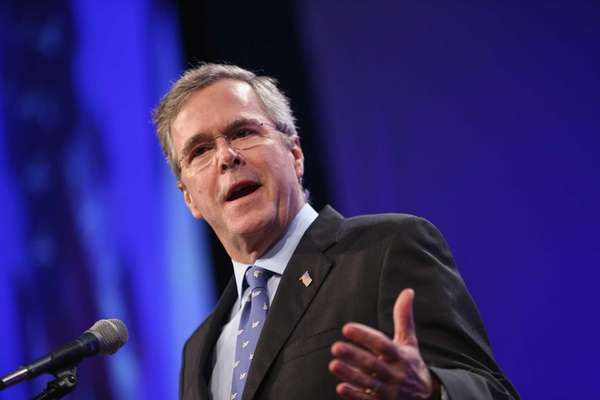 Former Florida Gov. Jeb Bush speaks to guests