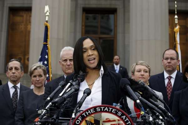 Baltimore state's attorney Marilyn Mosby speaks in Baltimore