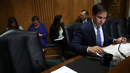 Republican presidential candidate Sen. Marco Rubio prepares to