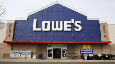 Lowe's posted first-quarter profit that trailed analysts' estimates