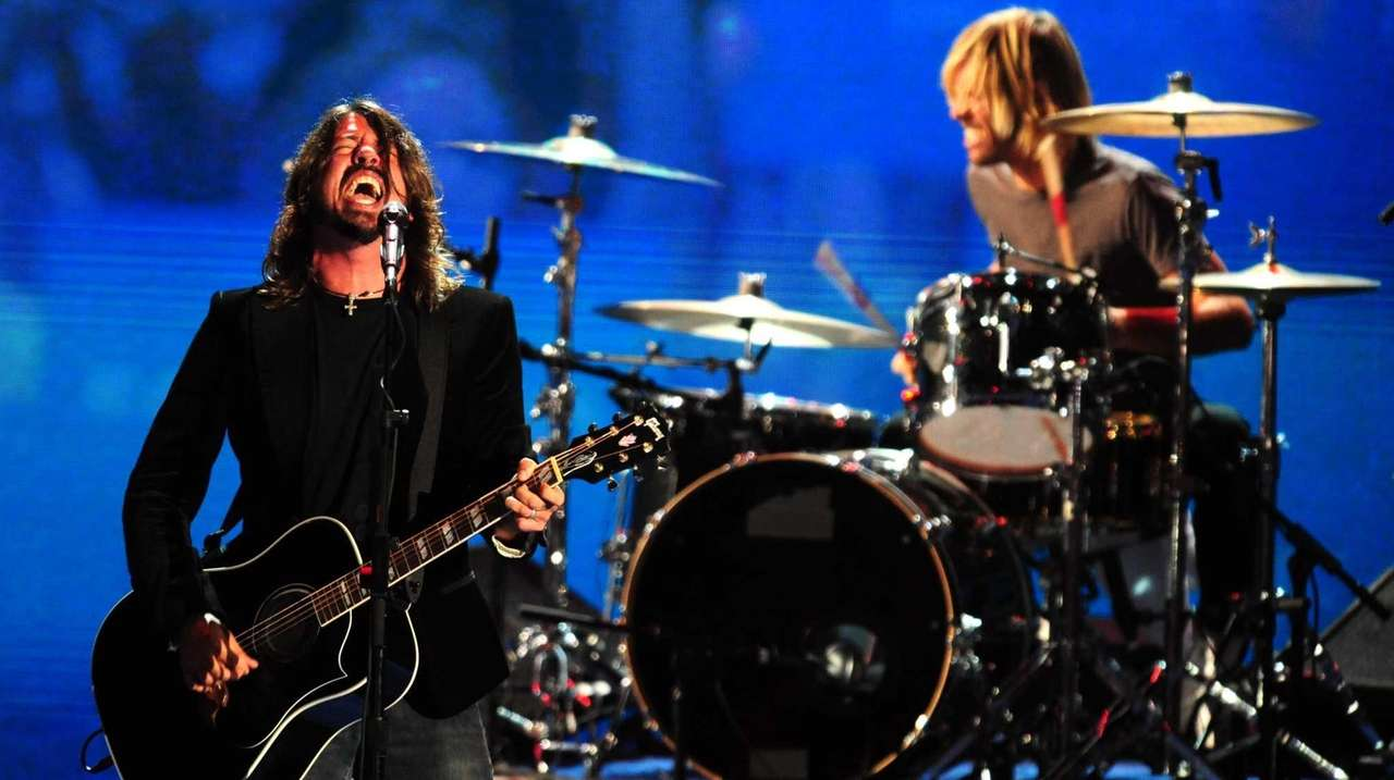 The Foo Fighters will reportedly play David Letterman's