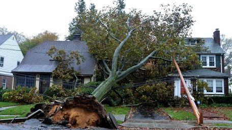 Some damaged homes in Garden City after superstorm