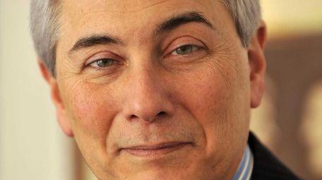 Long Islander Robert Zimmerman, a major political fundraiser