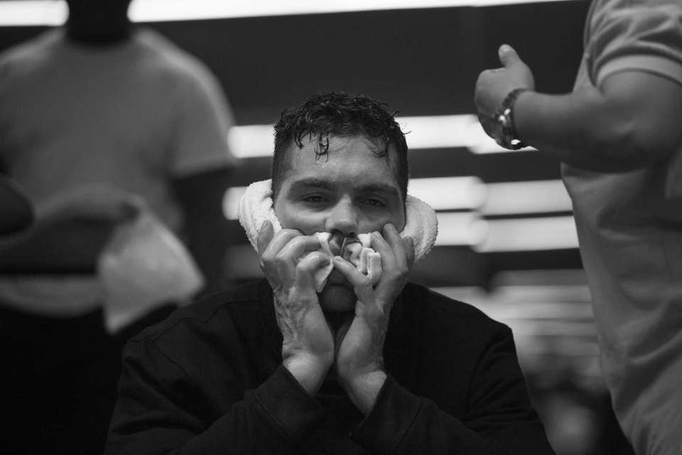 UFC middleweight champion Chris Weidman goes through his