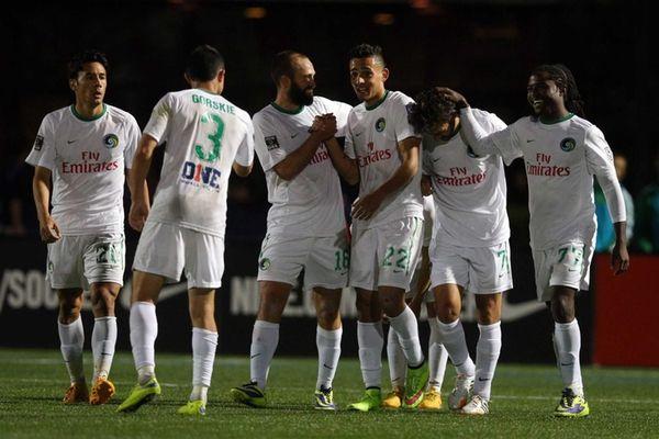 New York Cosmos midfielder Leo Fernandes #22 celebrates