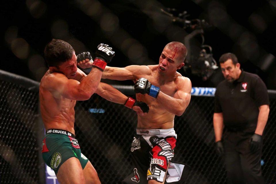 Flyweights Joseph Benavidez and John Moraga fight at