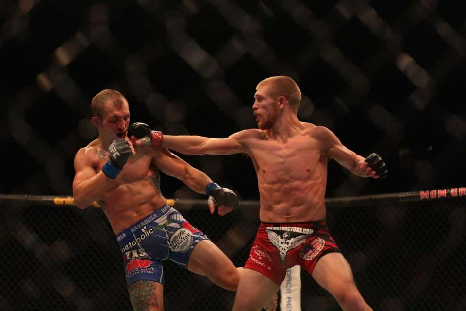 Flyweight Justin Scoggins fights Josh Sampo at UFC