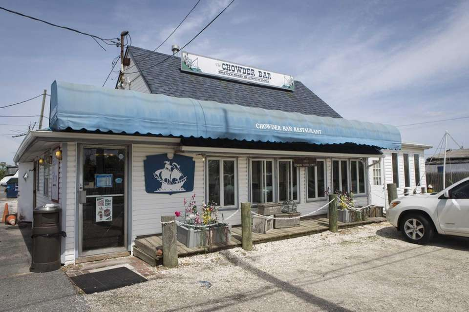 Chowder Bar, Bay Shore: A fixture since 1946,