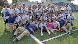 Cold Spring Harbor poses for a team photo