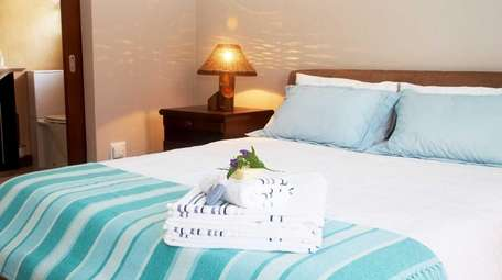 A guest room that has a comforting decor