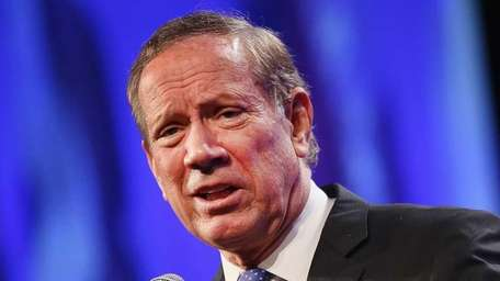 Former New York Gov. George Pataki speaks to