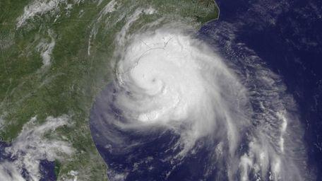 Hurricane Arthur moves up the East Coast on