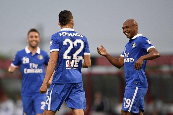 New York Cosmos midfielder Leonardo Fernandes (22) is