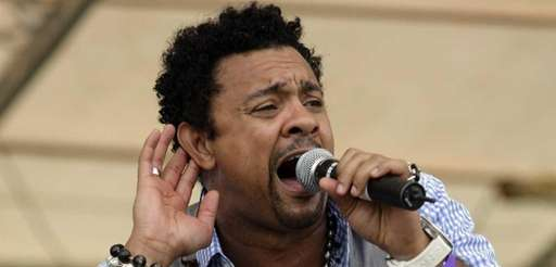 Shaggy performs prior to the opening cricket match