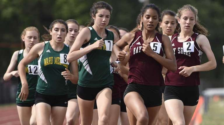 Runners compete in the Division I 1,500-meter run