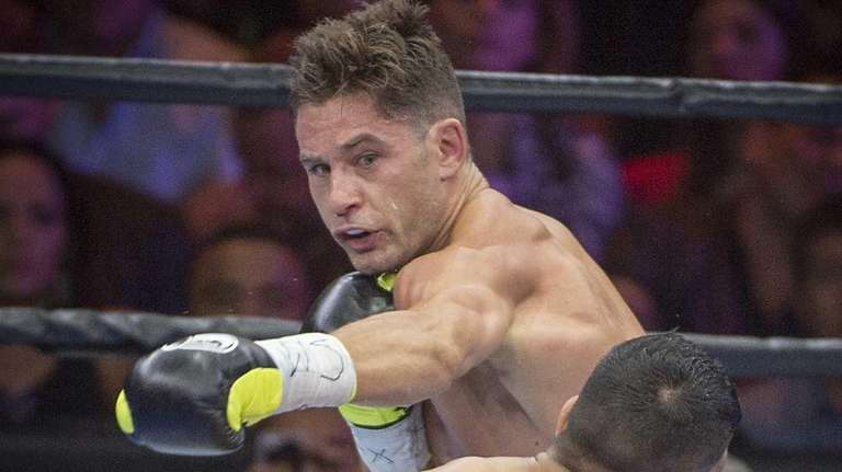 Chris Algieri of Huntington fights Amir Khan of