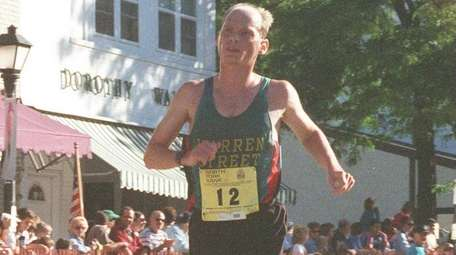Pat Petersen approaches the finish line of the