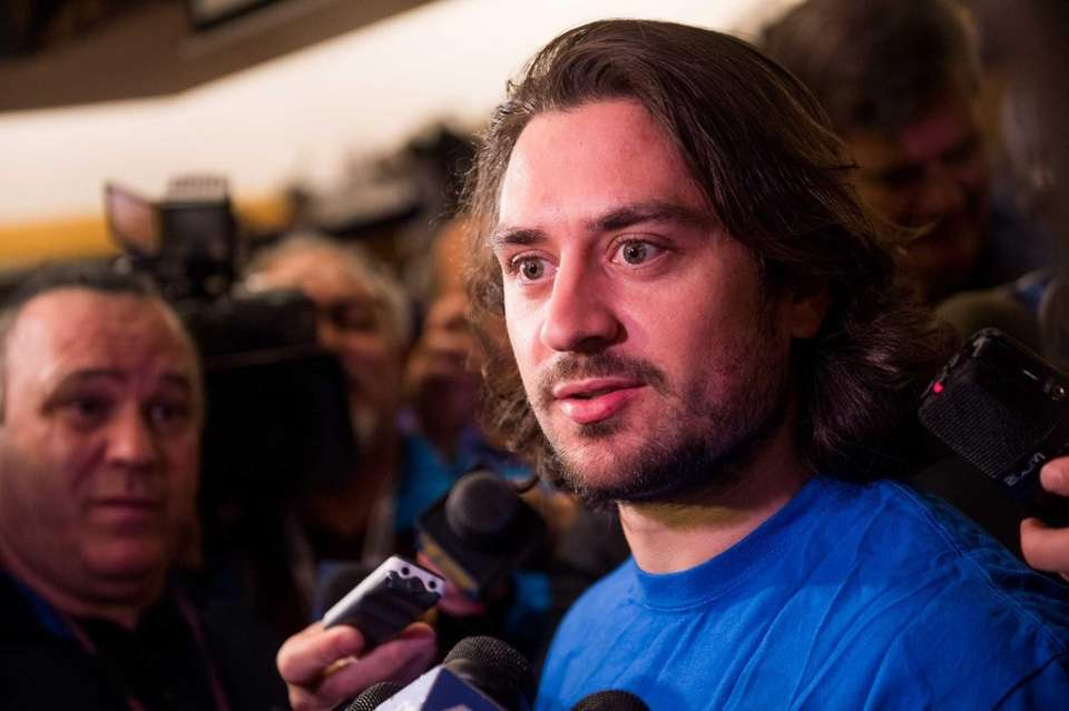 New York Rangers right wing Mats Zuccarello cleans