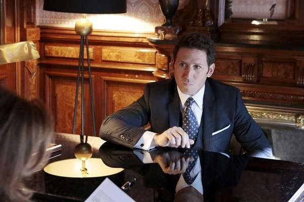Mark Feuerstein as Dr. Hank Lawson in