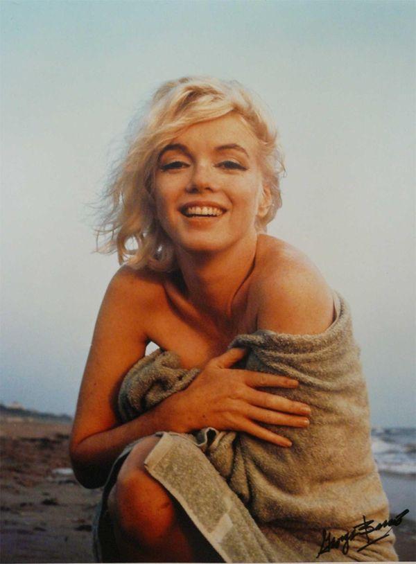 Marilyn Monroe on the beach at Santa Monica,