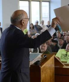 Former Sen. Alfonse D'Amato speaks out against the