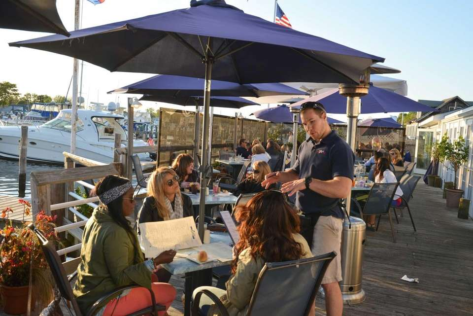 Long Island restaurants on the water.