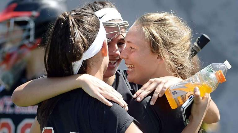 Mt. Sinai's Kirsten Scutaro, left, Meaghan Scutaro and