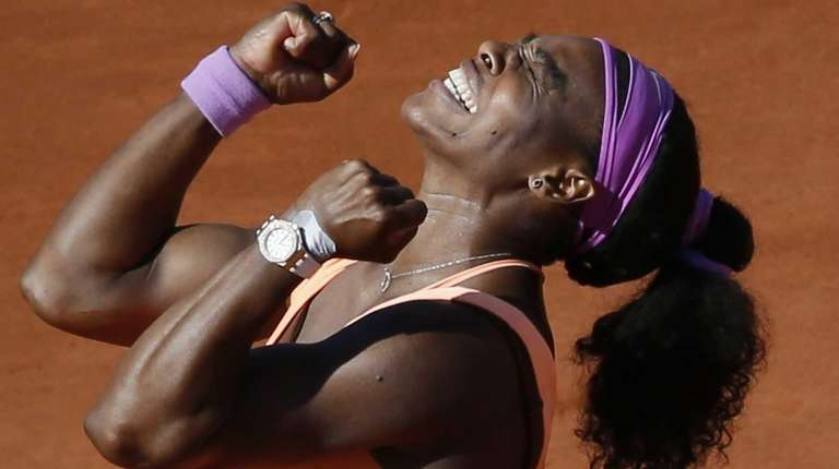 Serena Williams celebrates after winning the 2015 French