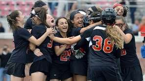 Mt. Sinai players celebrate at the final whistle