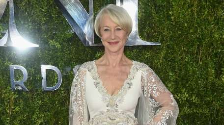 Helen Mirren attends the 2015 Tony Awards at
