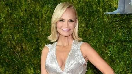 Kristin Chenoweth attends the 2015 Tony Awards at